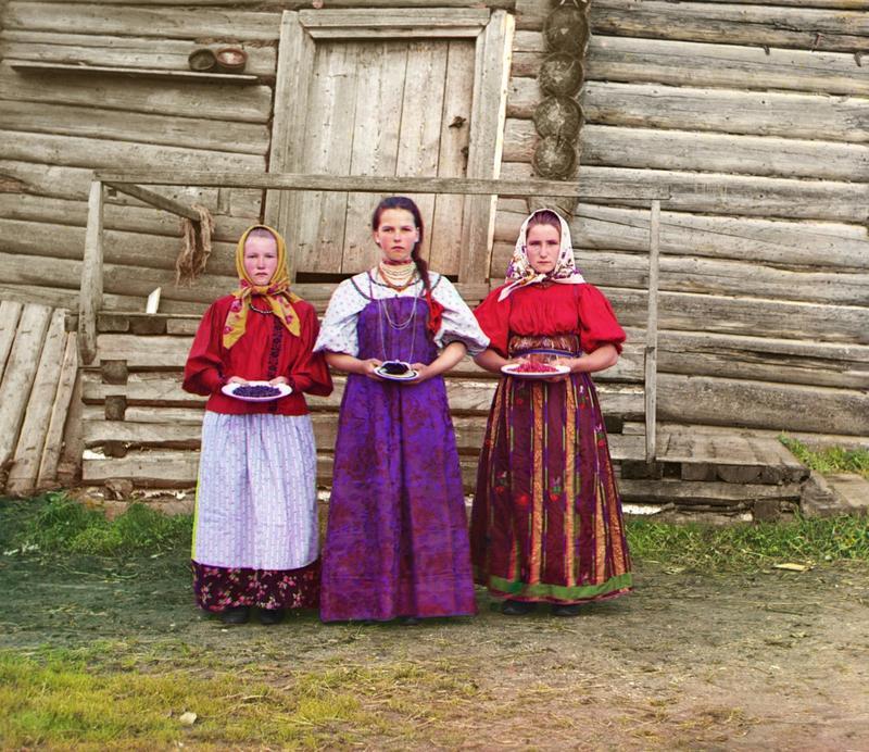 Dziewczynki z owocami, Kiryłow 1909 rok