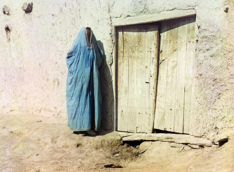 Kobieta w hidżabie, Samarkanda, Uzbekistan, 1910 rok