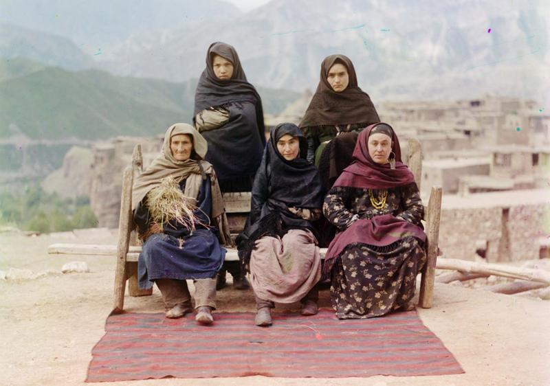 Grupa kobiet w Dagestanie , 1910 rok