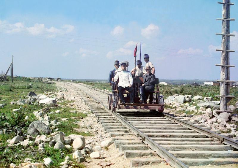 Prokudin - Gorskij jedzie drezyną w okolicah Pietrozawodska , 1915 rok
