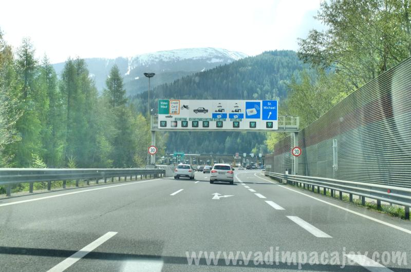FLUMI010514ita1_05_Fotor_austria-autostrada