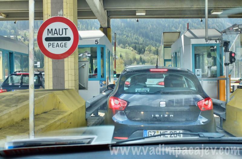 FLUMI010514ita1_07_Fotor_austria-autostrada
