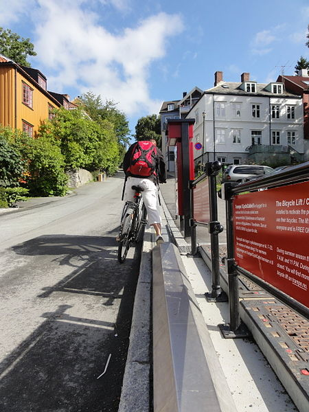 Bicycle_lift_in_Trondheim_2