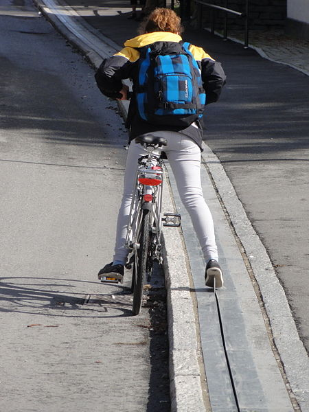 Bicycle_lift_in_Trondheim_3